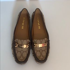 Coach brown & tan classic loafer, size 6